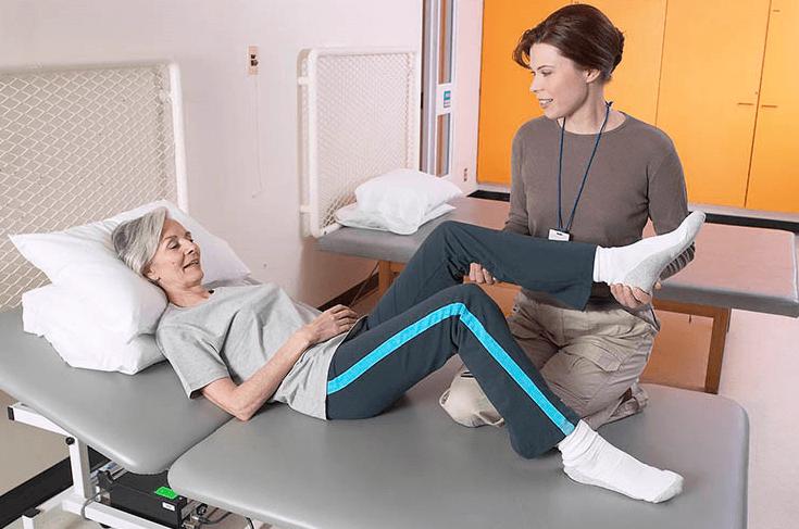 Особенности ухода после перелома или операции на тазобедренной кости